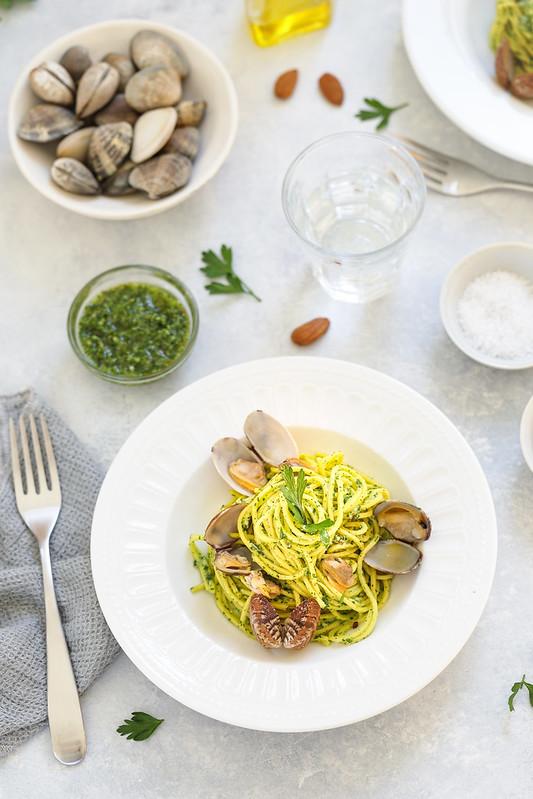 Spaghetti vongole pesto persil recette italienne