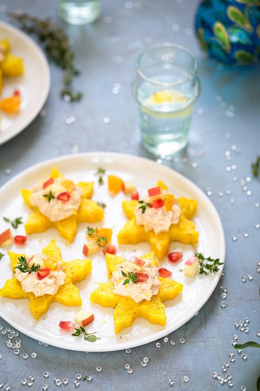 Canapés polenta mousse saumon chèvre (recette de fêtes facile et sans gluten)