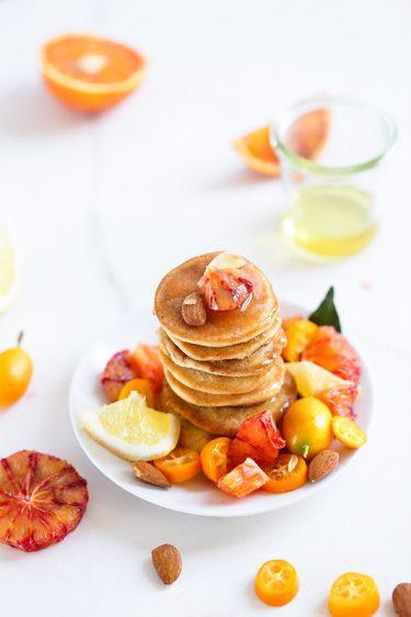Pancakes lait d'amande blancs oeuf
