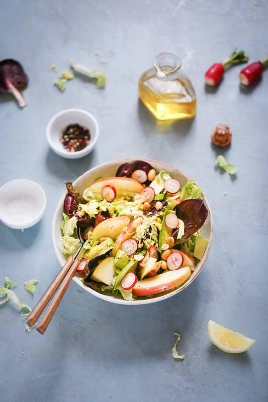 Salade chou avocat pomme vegan
