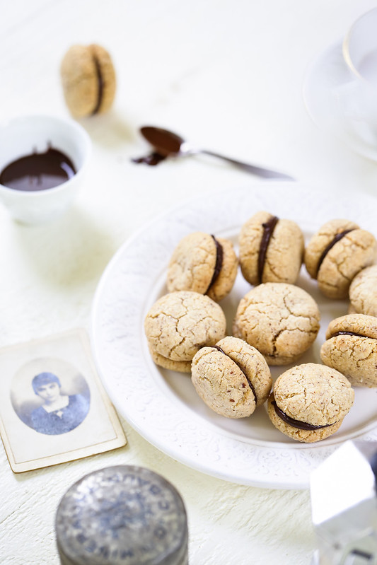 Biscuits italiens amandes fourres chocolat baci di dama recette video
