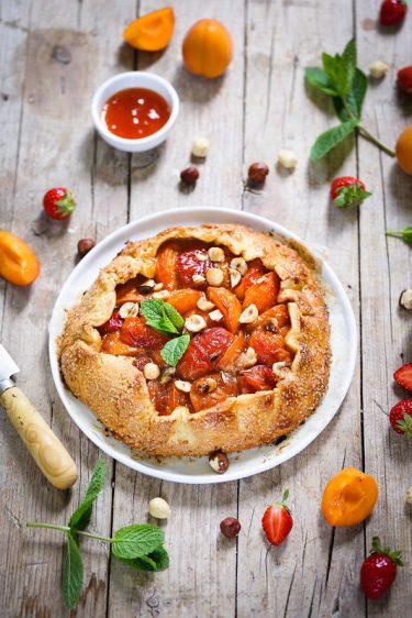 Tarte rustique abricots noisettes facile