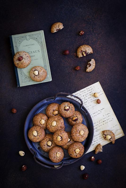 Biscuits amaretti italiens aux noisettes sans oeufs et sans gluten