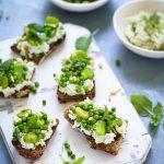 Tartines ricotta pesto petits pois recette vegetarienne fraiche