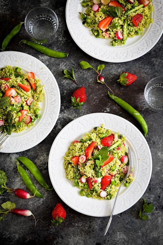 Salade couscous asperges fraises vegan